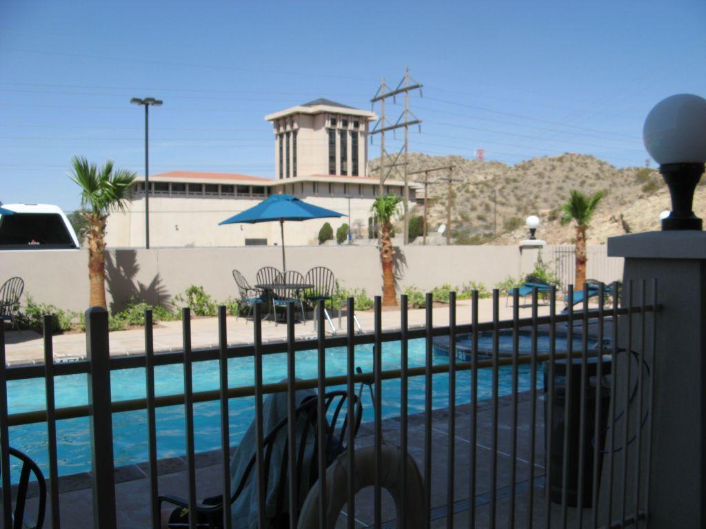 bild hilton garden inn el paso texas pool zu hotel