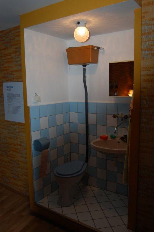 bild wc zu ddr museum karl liebknecht str 1 in berlin mitte. Black Bedroom Furniture Sets. Home Design Ideas