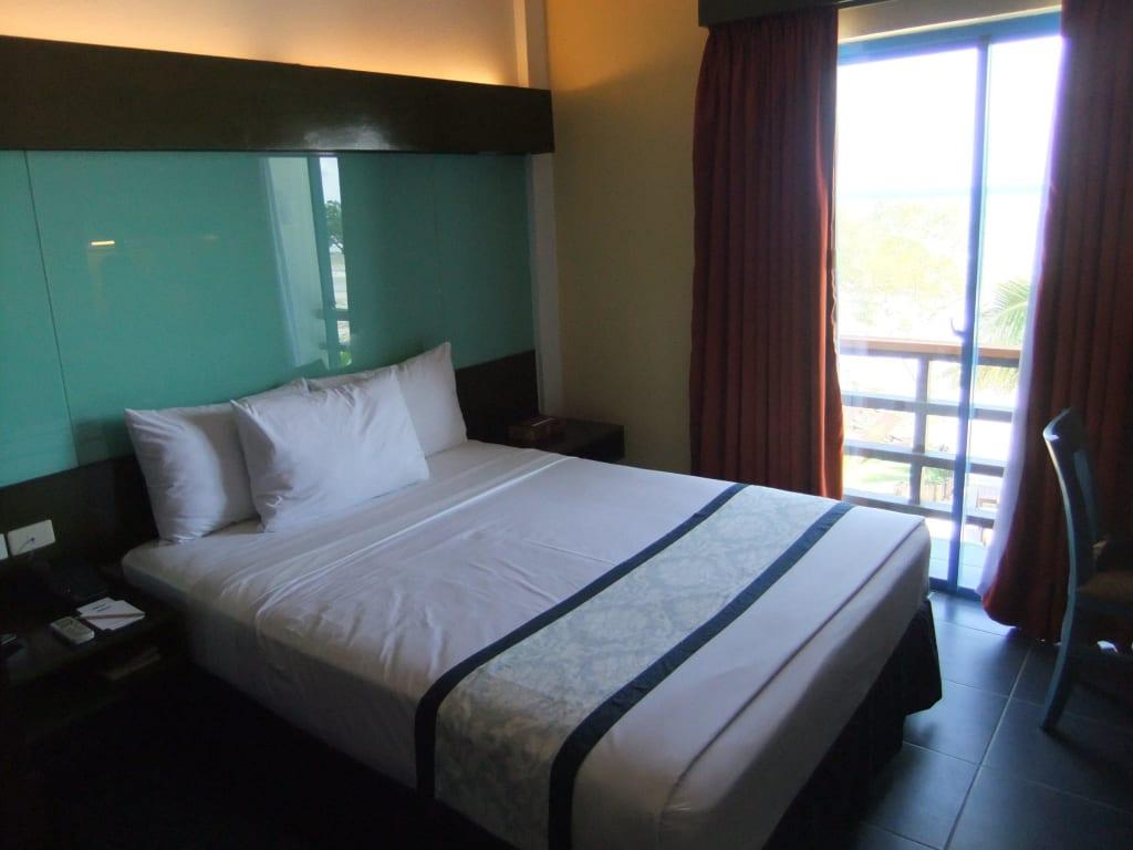 bild sch nes schlafzimmer zu hotel microtel puerto. Black Bedroom Furniture Sets. Home Design Ideas