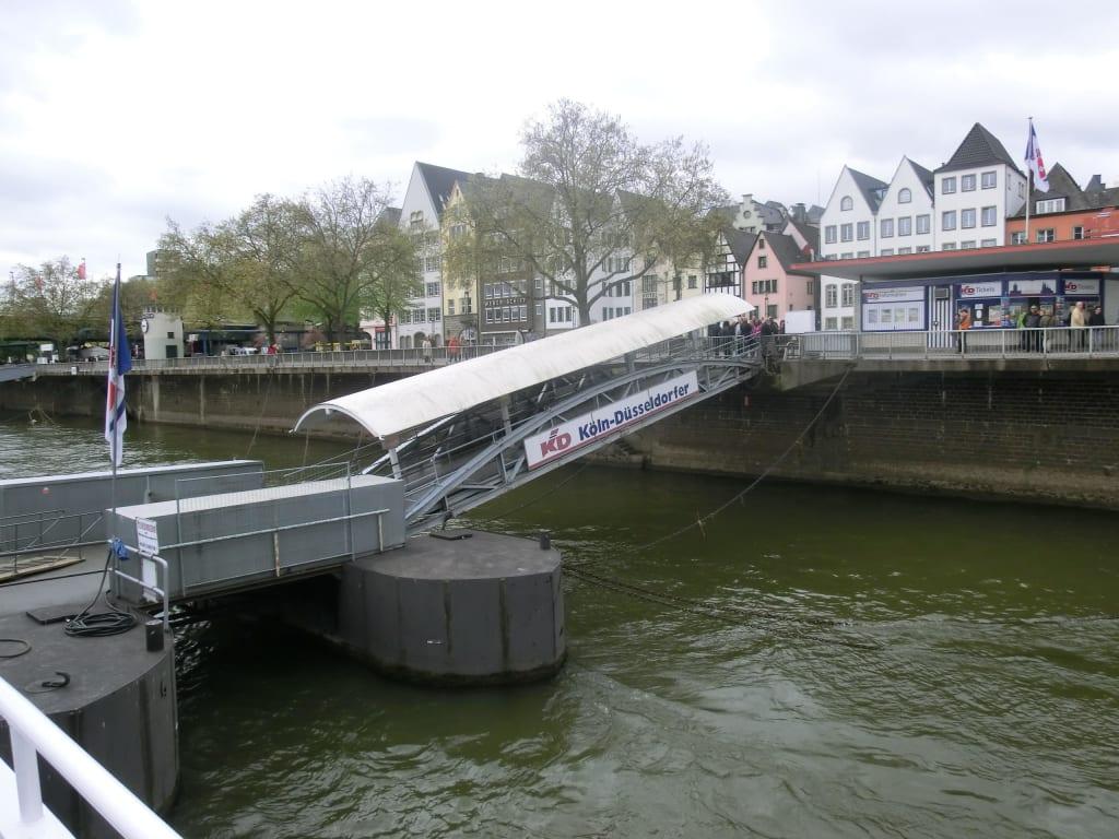 Anlegestelle der KD Bilder Fluss/See/Wasserfall Schifffahrt Köln-Düsseldorf