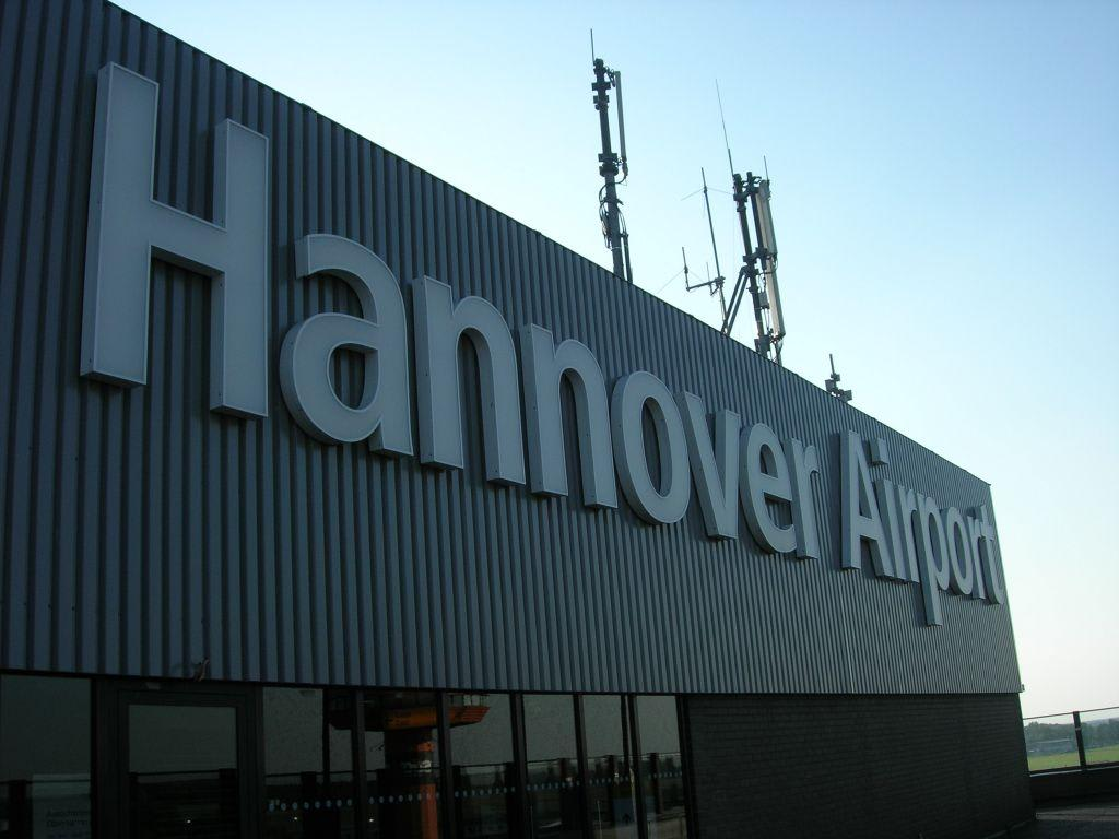 bild hannover airport zu flughafen hannover langenhagen haj in langenhagen. Black Bedroom Furniture Sets. Home Design Ideas