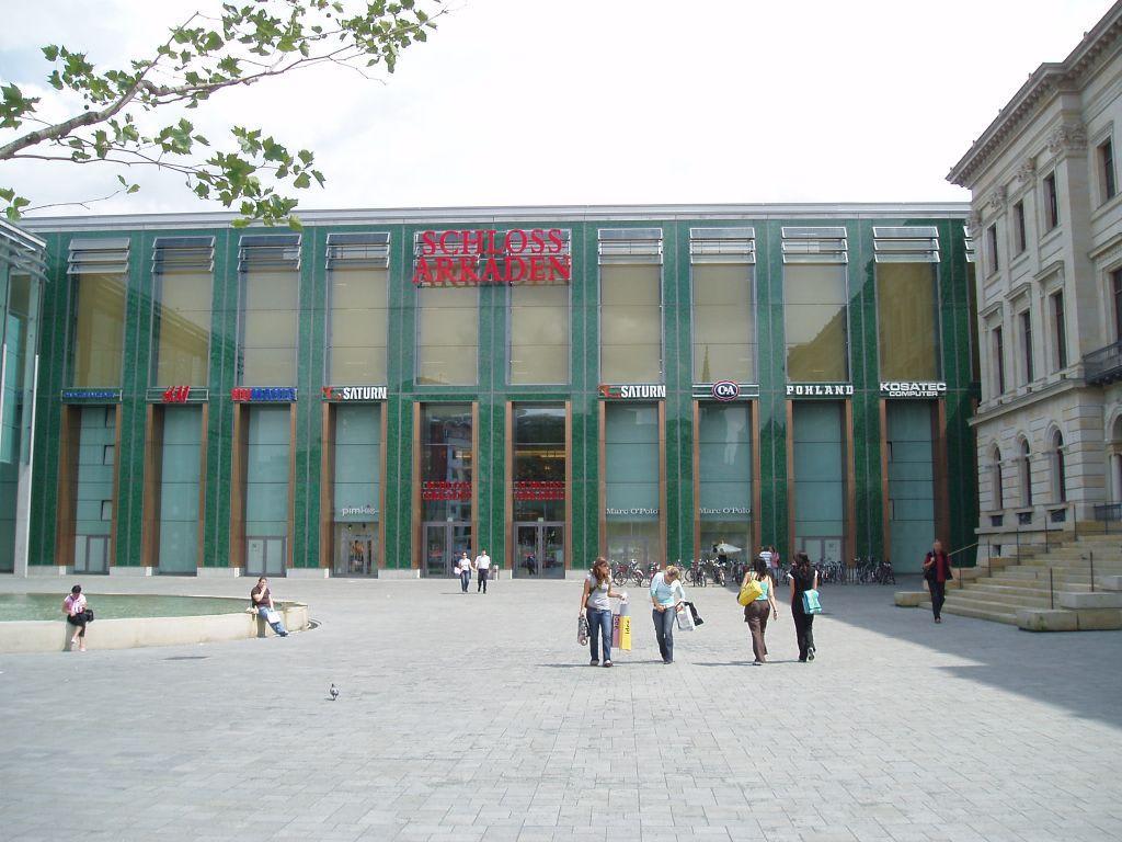 Schlossarkaden braunschweig bilder markt bazar shop center for Mobel in braunschweig