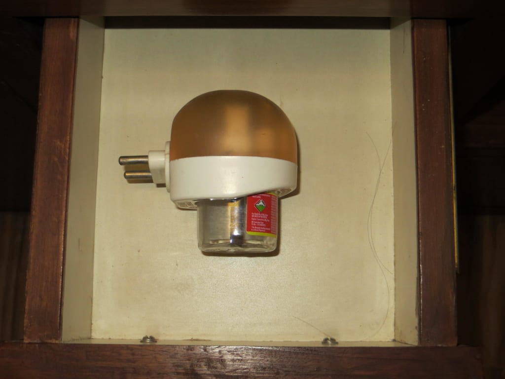 bild anti m cken stecker zu hotel daanish in delhi neu delhi. Black Bedroom Furniture Sets. Home Design Ideas