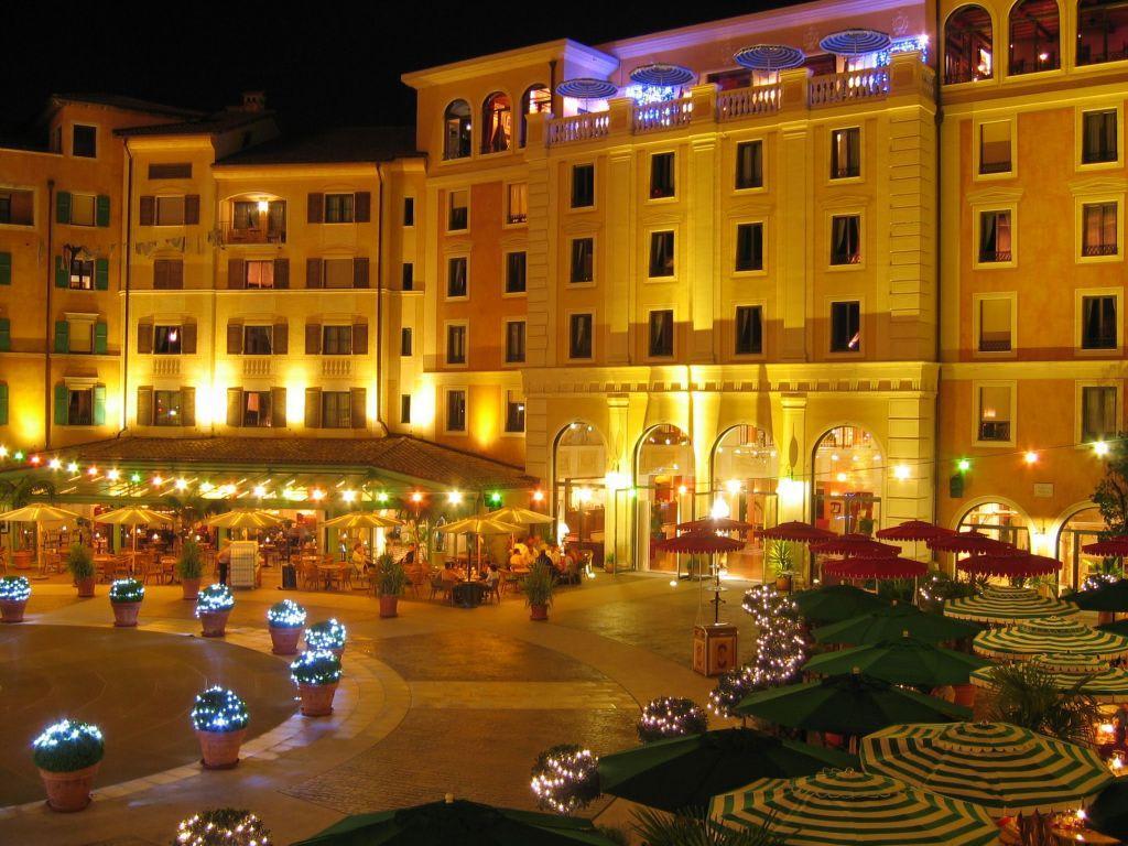 Bild innenhof bei nacht zu hotel colosseo europa park in - Hotel colosseo europa park ...