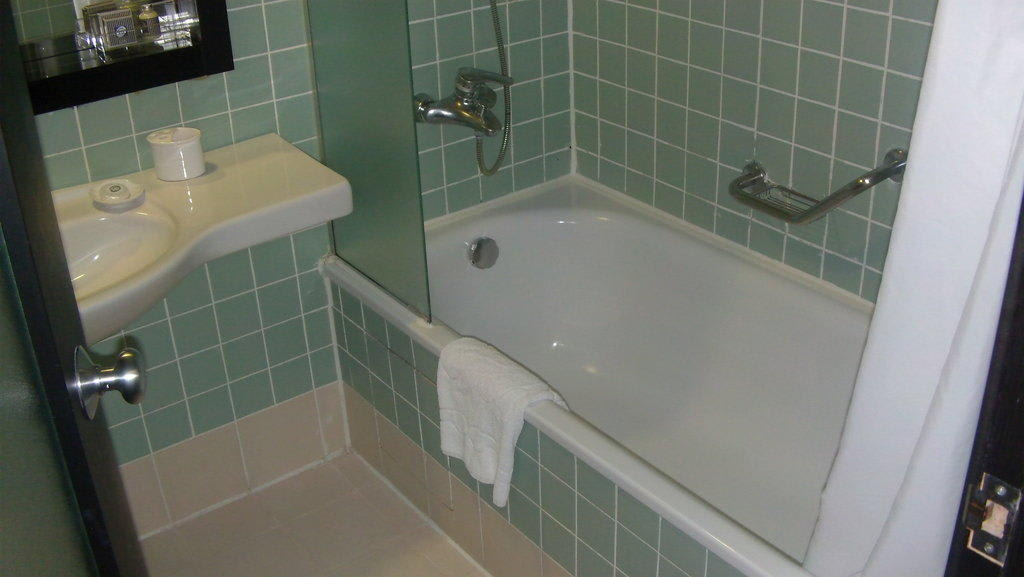 bild badewanne dusche zu limak atlantis de luxe hotel resort in belek. Black Bedroom Furniture Sets. Home Design Ideas