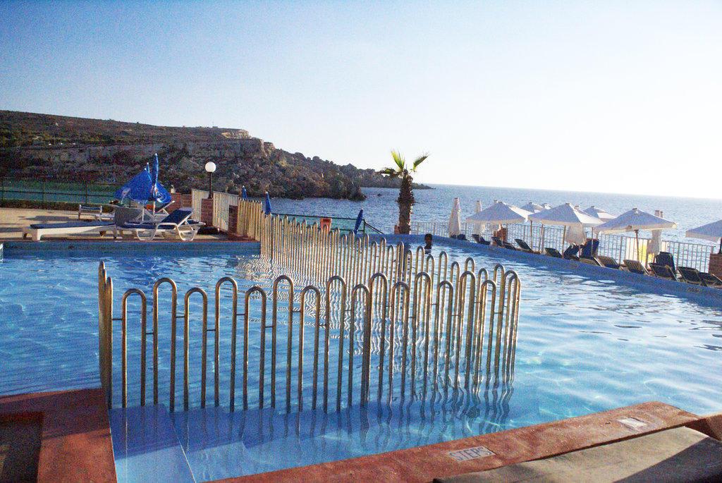 Paradise Bay Resort Hotel in Cirkewwa | HolidayCheck.com