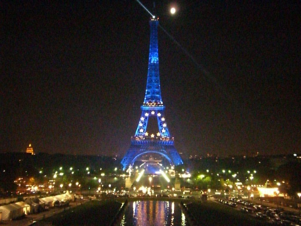 Bild Quot Eiffelturm Bei Nacht Quot Zu Eiffelturm In Paris