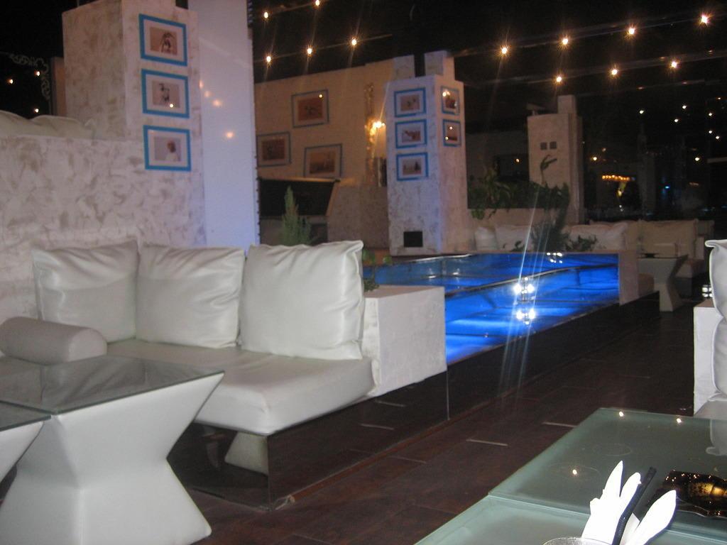 bild shisha bar zu hilton ras al khaimah resort spa in. Black Bedroom Furniture Sets. Home Design Ideas