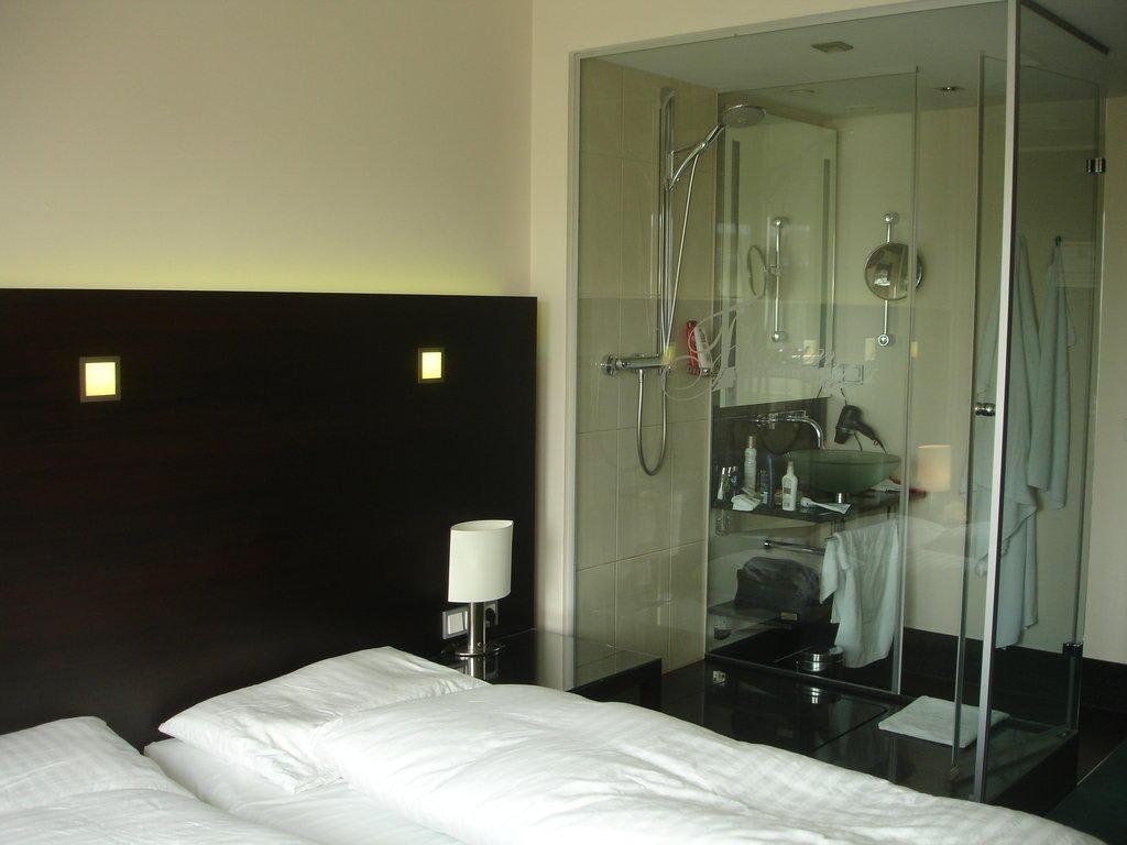 """Hotel Wien Dusche Im Zimmer : """"Zimmer Mit Glasdusche"""" zu Fleming's Hotel Wien-Westbahnhof in Wien"""