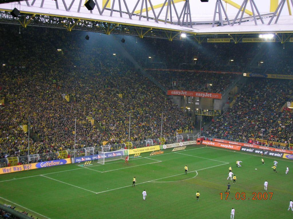 bild westfalenstadion zu signal iduna park ex westfalenstadion in dortmund. Black Bedroom Furniture Sets. Home Design Ideas