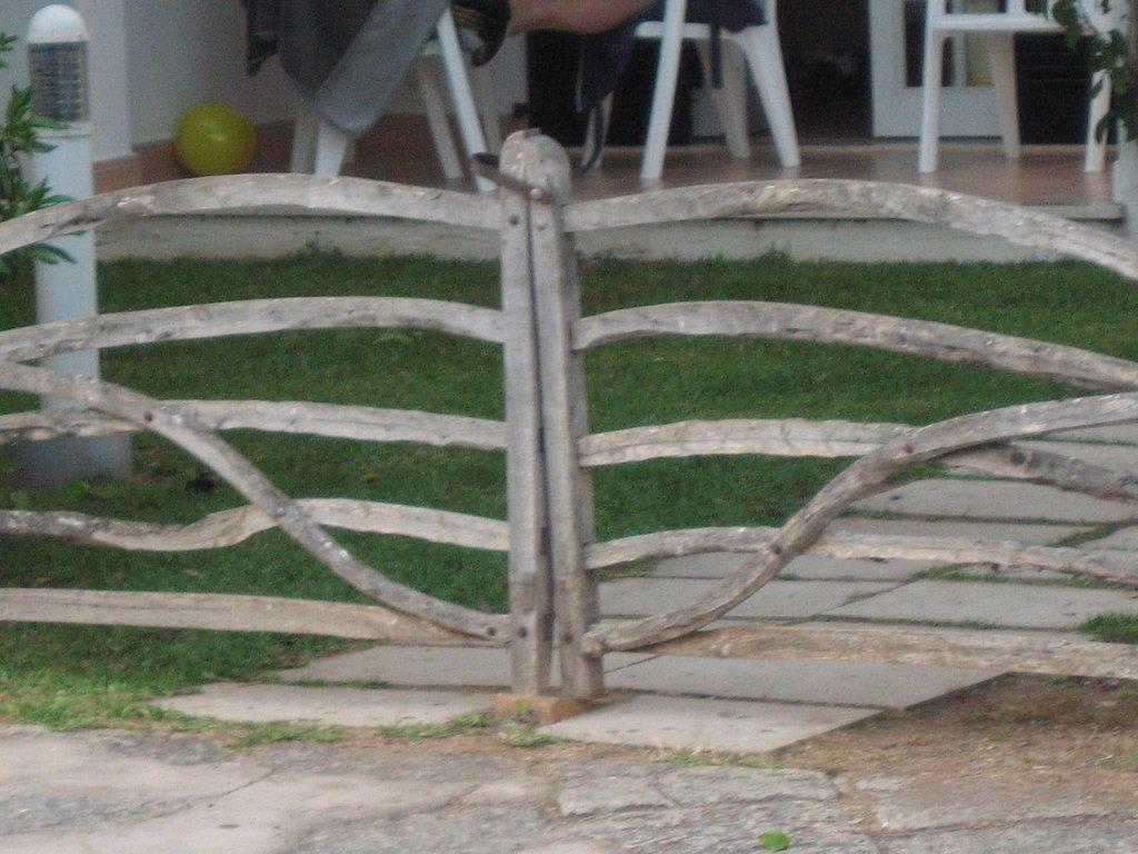 "Bild ""Schöne Zäune überall"" zu Menorca in Menorca"