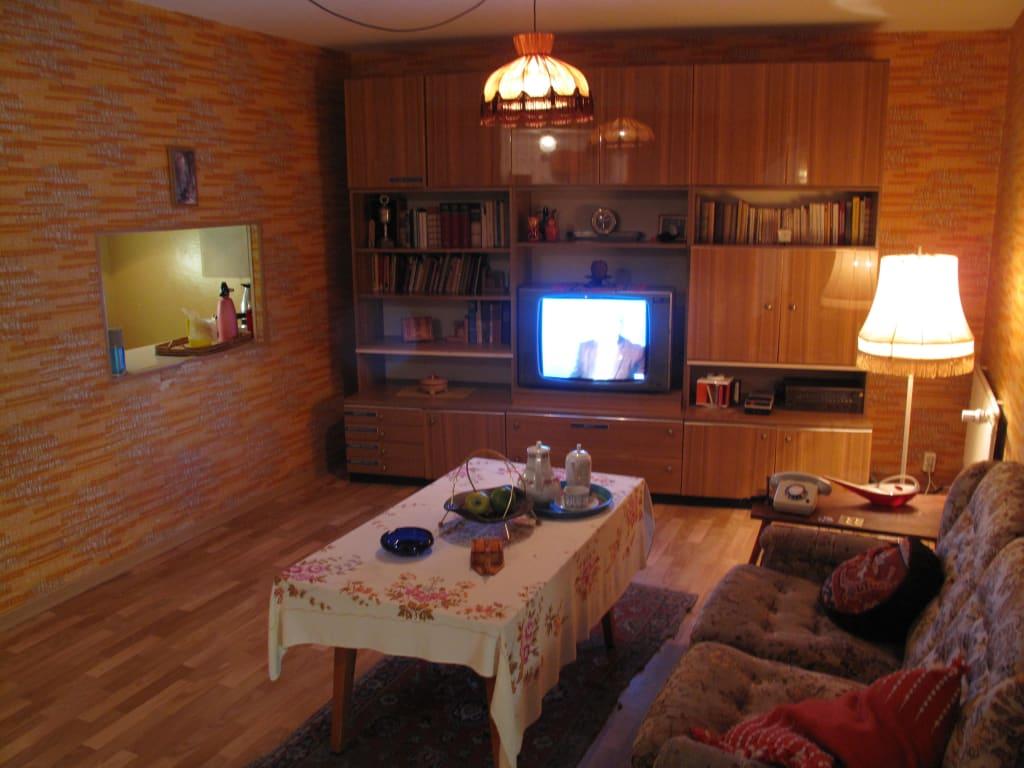 bild typisches ddr wohnzimmer zu ddr museum karl liebknecht str 1 in berlin mitte. Black Bedroom Furniture Sets. Home Design Ideas