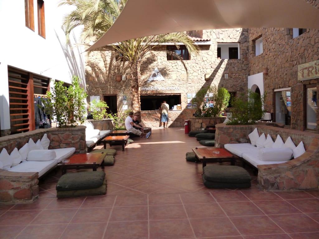 Bild Gemutliche Sitzecken Zu Tauchbasis Camel Dive Club Sharm El