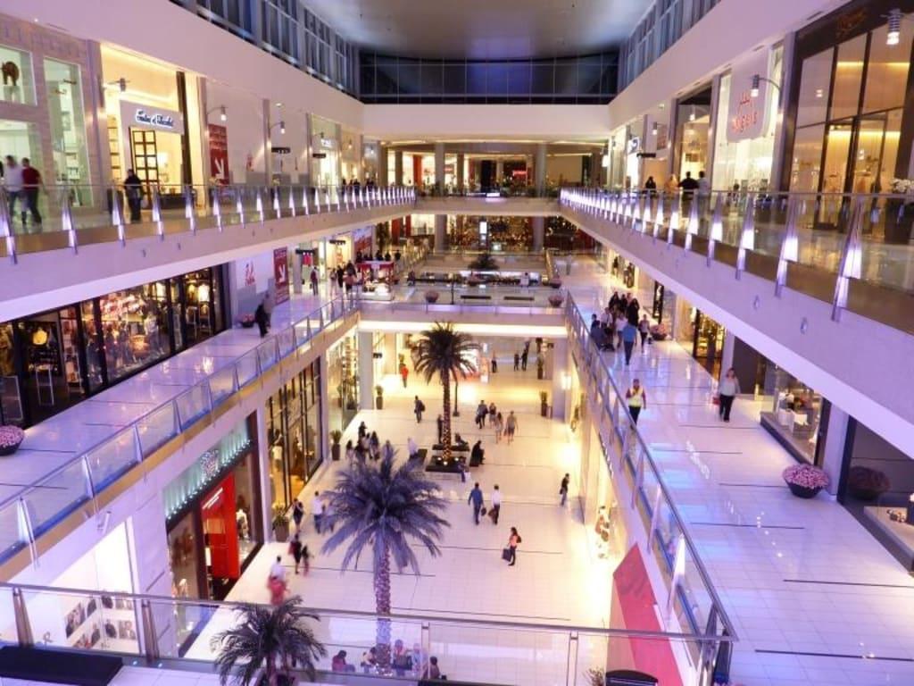 bild gr sstes kaufhaus der welt luxus pur zu dubai mall in dubai. Black Bedroom Furniture Sets. Home Design Ideas