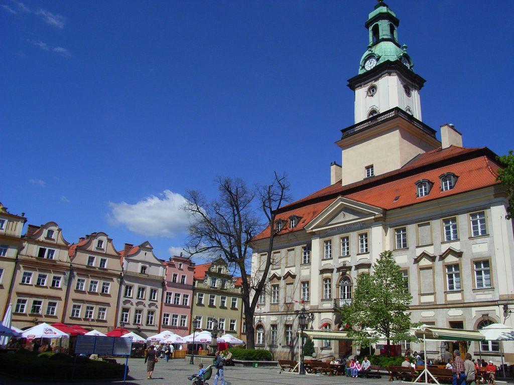 Bild  Rathaus am Marktplatz  zu Rathaus Jelenia Gora   -> Kuchnie Kaflowe Jelenia Góra