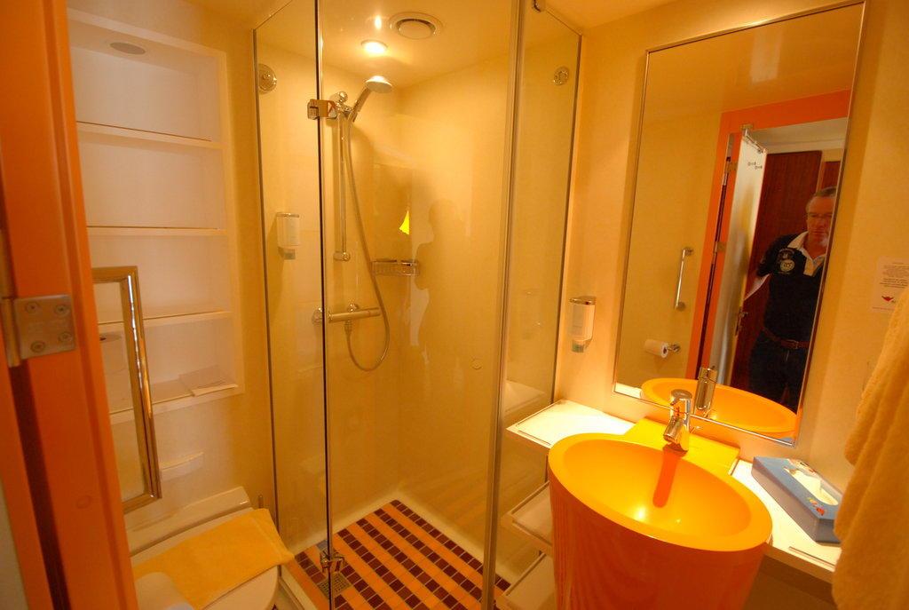 bild badezimmer zu aidasol in. Black Bedroom Furniture Sets. Home Design Ideas