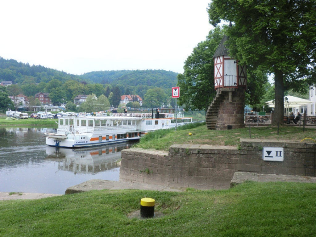 """Bild """"Weserhafen Bad Karlshafen"""" zu Weser Schifffahrt in Bad Karlshafen"""