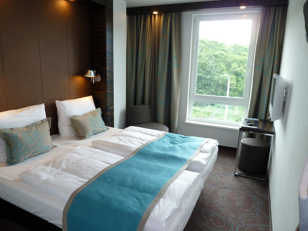 Bild doppelzimmer zu motel one dresden palaisplatz in for Motel one wellness