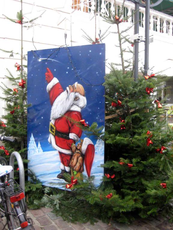 Landau Weihnachtsmarkt.Bild Nikolaus Kommt Zu Weihnachtsmarkt Landau In Der Pfalz