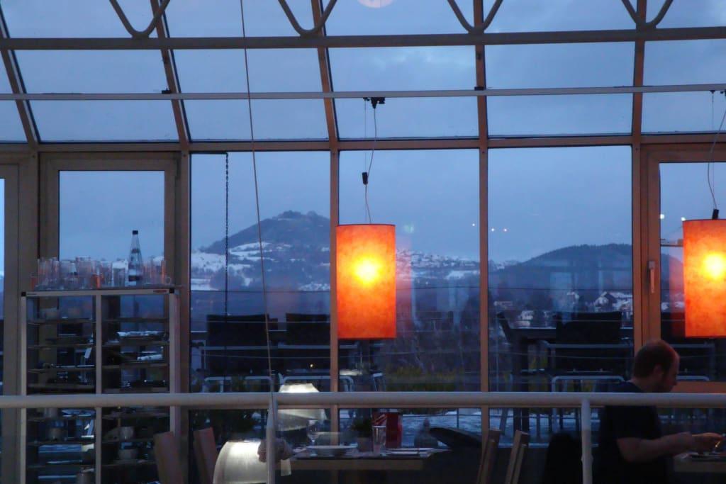 Bild Blick Auf Den Hohenstaufen Zu Restaurant Im Möbelhaus Rieger
