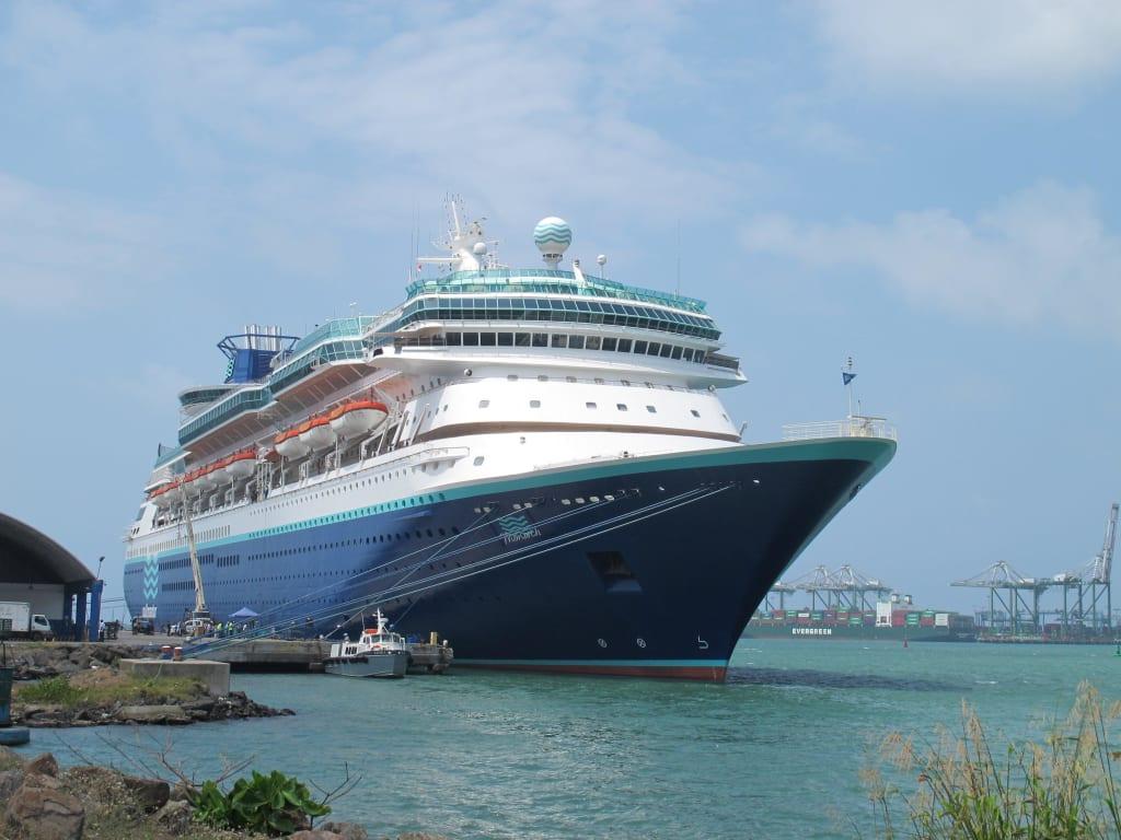 File:MS Monarch - Aruba.jpg - Wikimedia Commons