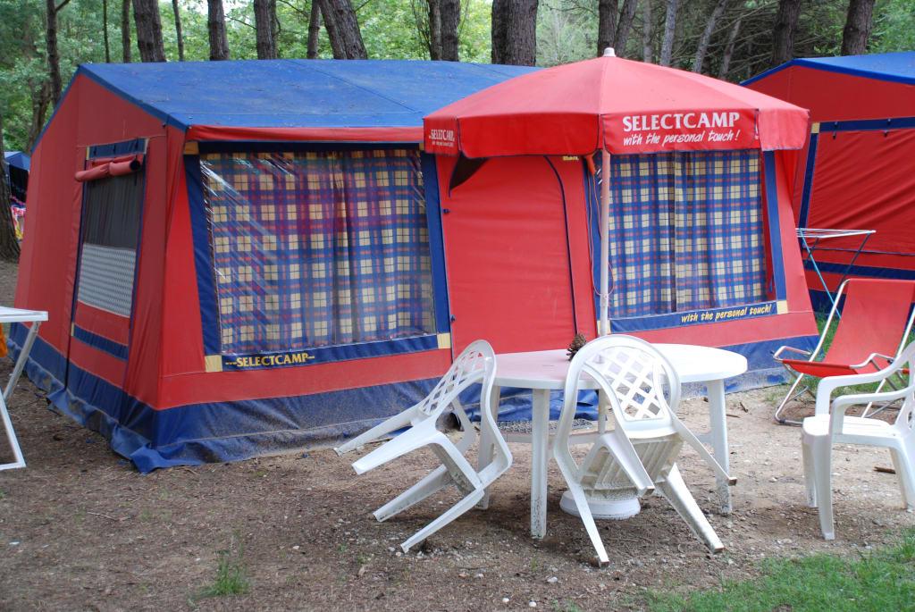 bild selectcamp luxus zelt auf camping ca 39 savio zu camping ca 39 savio in cavallino treporti. Black Bedroom Furniture Sets. Home Design Ideas