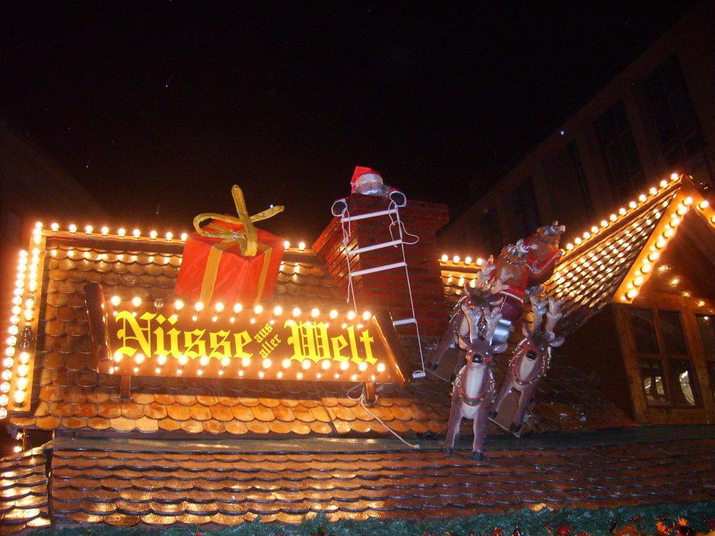 Weihnachtsmarkt Frankfurt Am Main.Bild Dach Eines Standes Zu Weihnachtsmarkt Frankfurt Am Main In