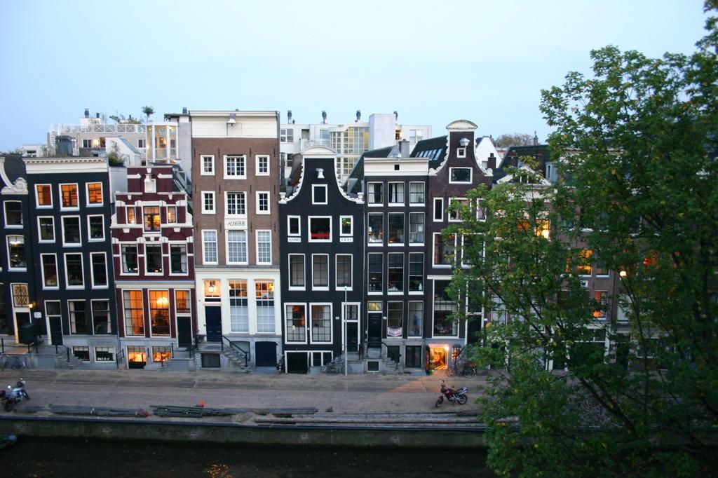 Bild ausblick aus dem apartment zu the bulldog hotel for Bulldog hotel amsterdam