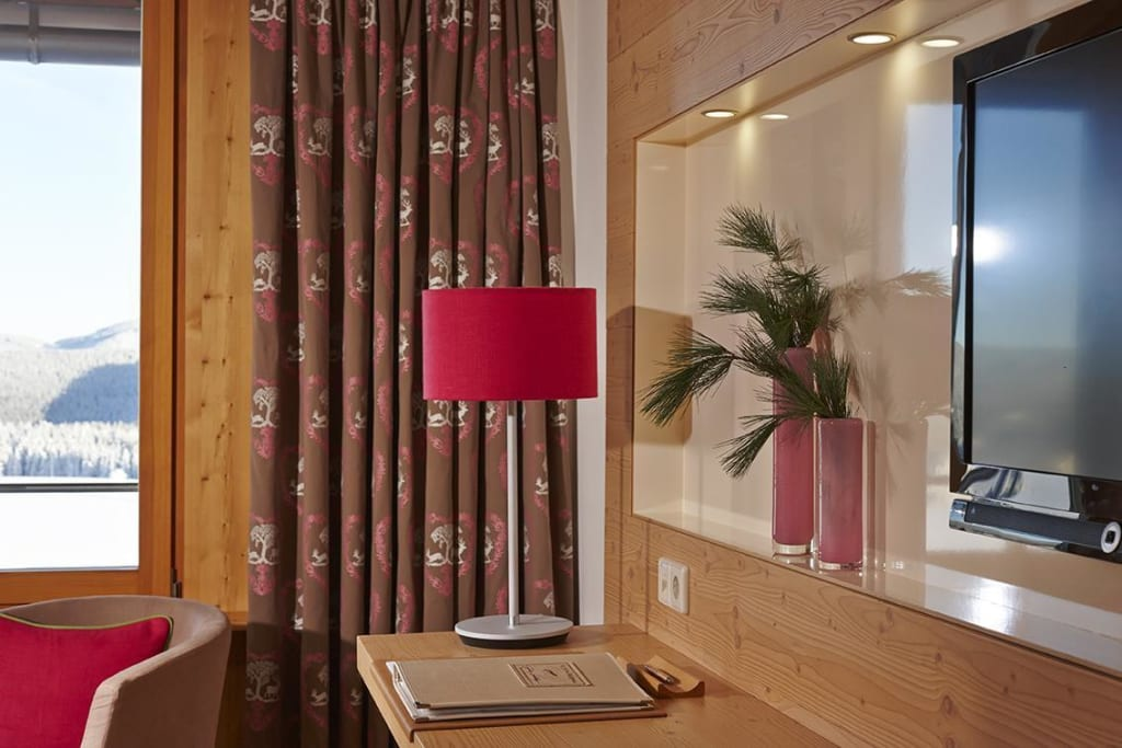 bild doppelzimmer feldberg zu hotel die halde in oberried. Black Bedroom Furniture Sets. Home Design Ideas