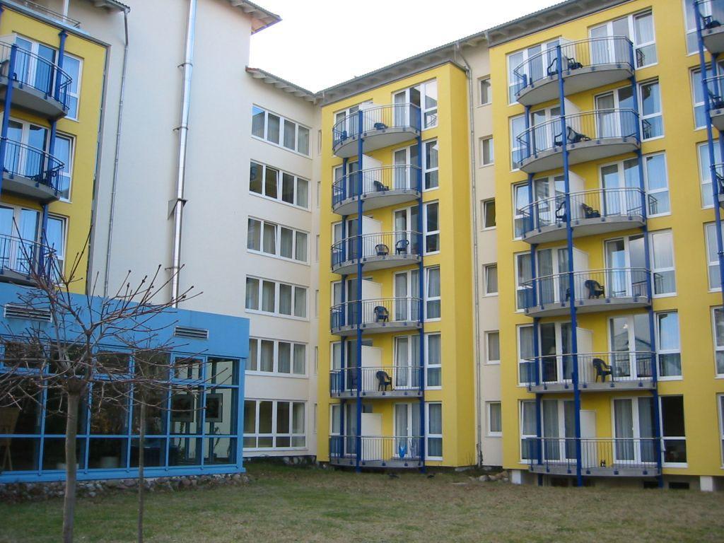hotelnansicht zu ifa r gen hotel ferienpark in binz auf. Black Bedroom Furniture Sets. Home Design Ideas