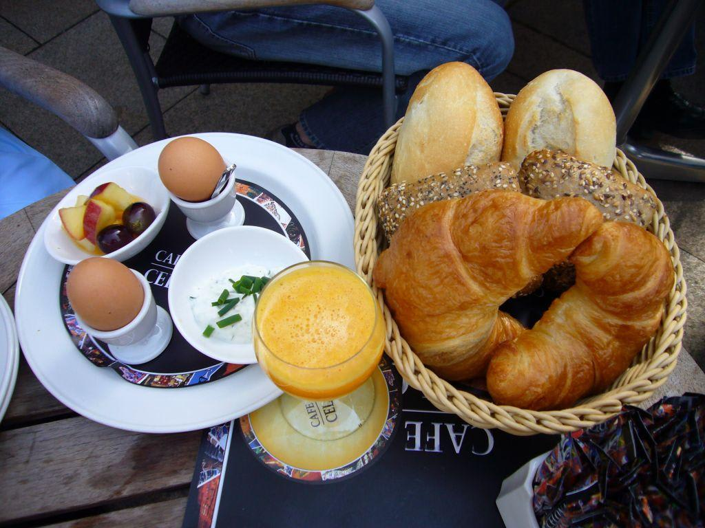 Bild Grande Por Dos Zu Cafe Bar Celona In Bremen