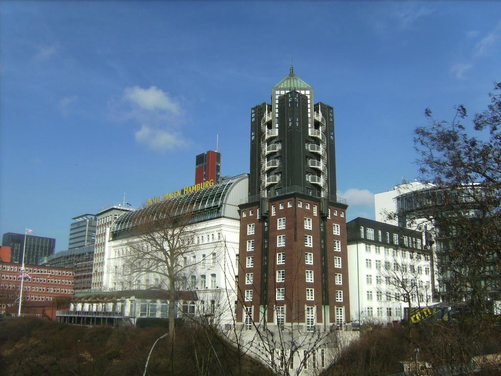 bild tower hotel hafen zu hotel hafen hamburg in hamburg. Black Bedroom Furniture Sets. Home Design Ideas