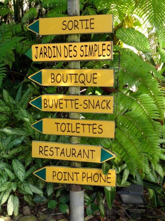 Bild Wegweiser Im Grossen Garten Areal Zu Botanischer Garten