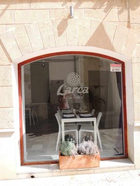 bild sch ne einrichtung zu restaurant l 39 arca in alcudia. Black Bedroom Furniture Sets. Home Design Ideas