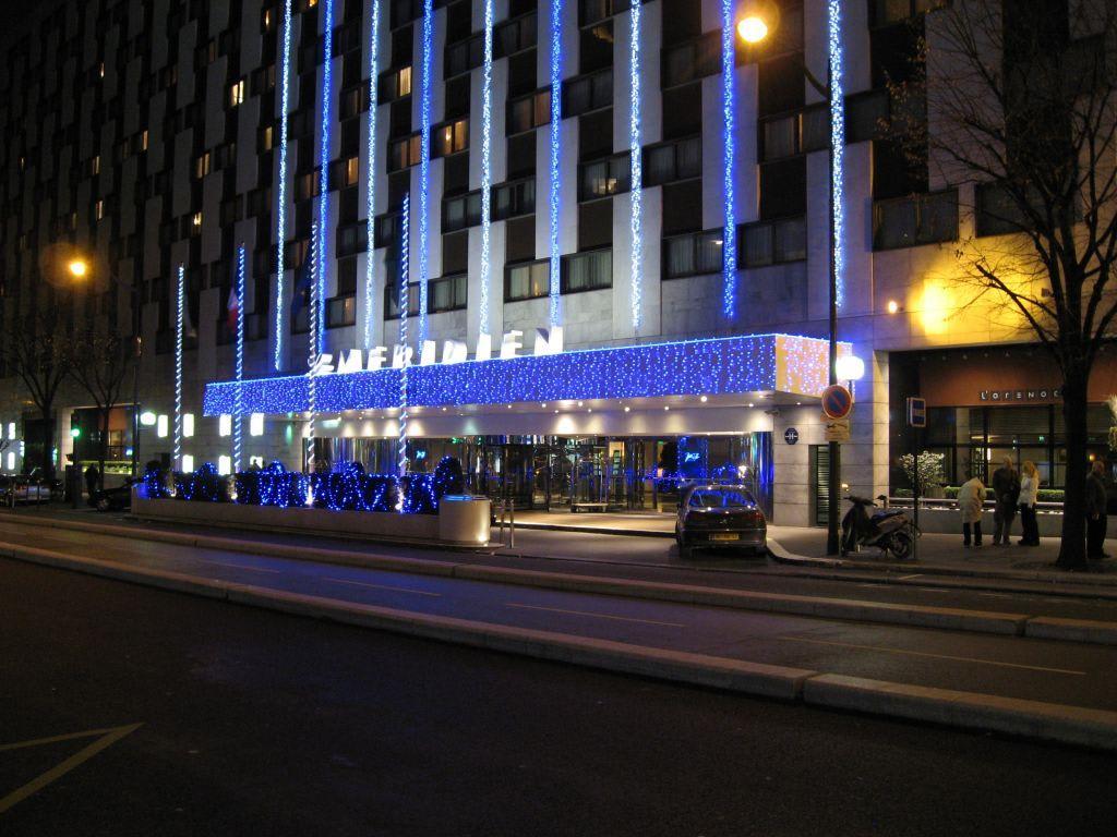 Bild aussenansicht mit beleuchtung zur weihnachtszeit zu for Hotels 1 etoile paris