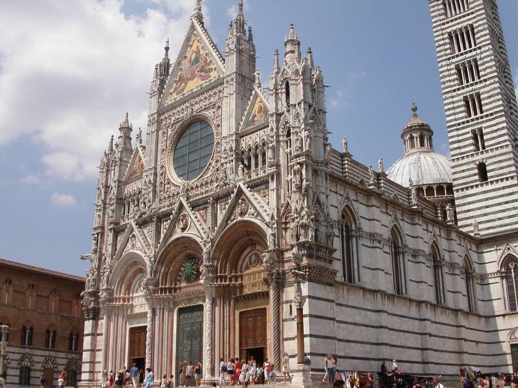Dom Siena\