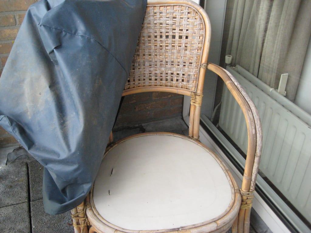 bild terrassen m bel zu ferienhaus aan het meer in kamperland. Black Bedroom Furniture Sets. Home Design Ideas