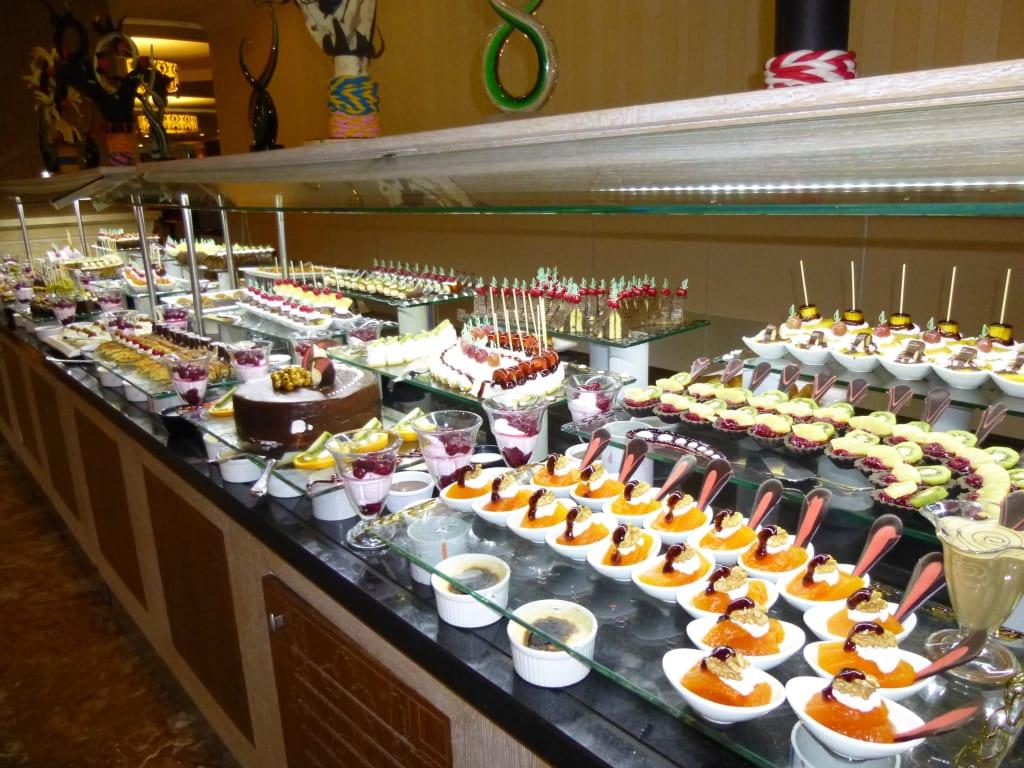 bild kuchen buffet immer eine augenweide zu aydinbey kings palace spa in evrenseki. Black Bedroom Furniture Sets. Home Design Ideas