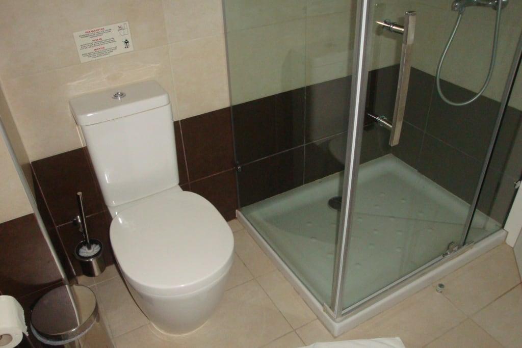 dusche selber bauen bauanleitung badezimmer selbst bauen b der im trockenbau system. Black Bedroom Furniture Sets. Home Design Ideas