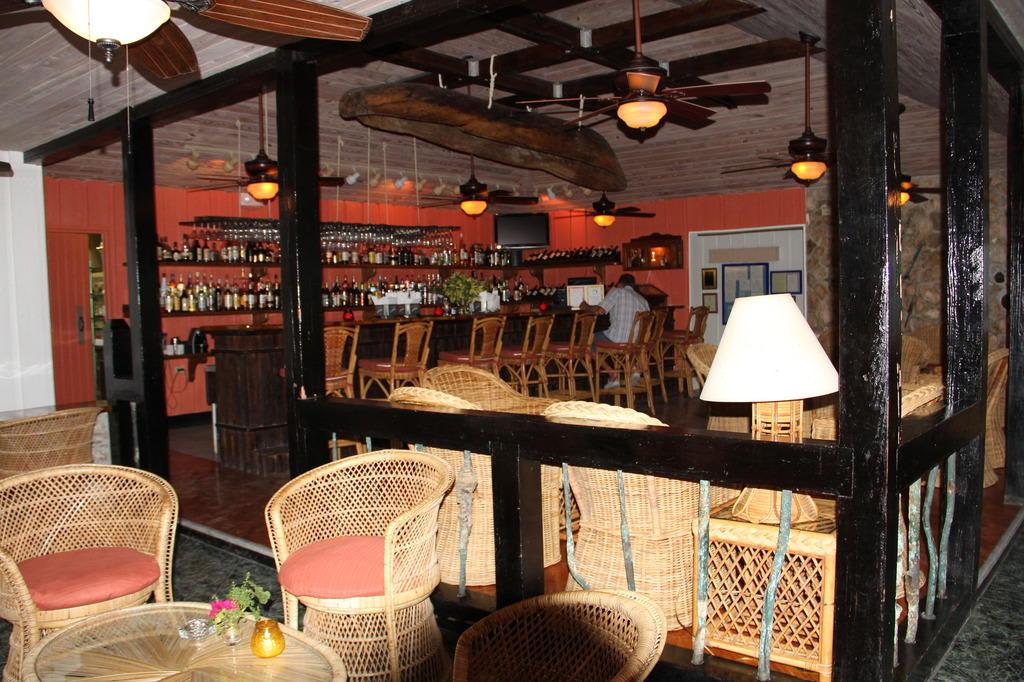 bild die rustikale bar zu hotel stella maris resort in. Black Bedroom Furniture Sets. Home Design Ideas