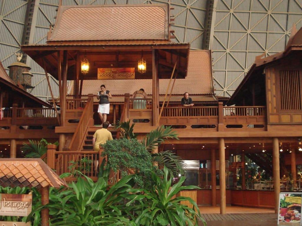 bild einziges caf in dem man rauchen kann zu tropical islands in krausnick. Black Bedroom Furniture Sets. Home Design Ideas
