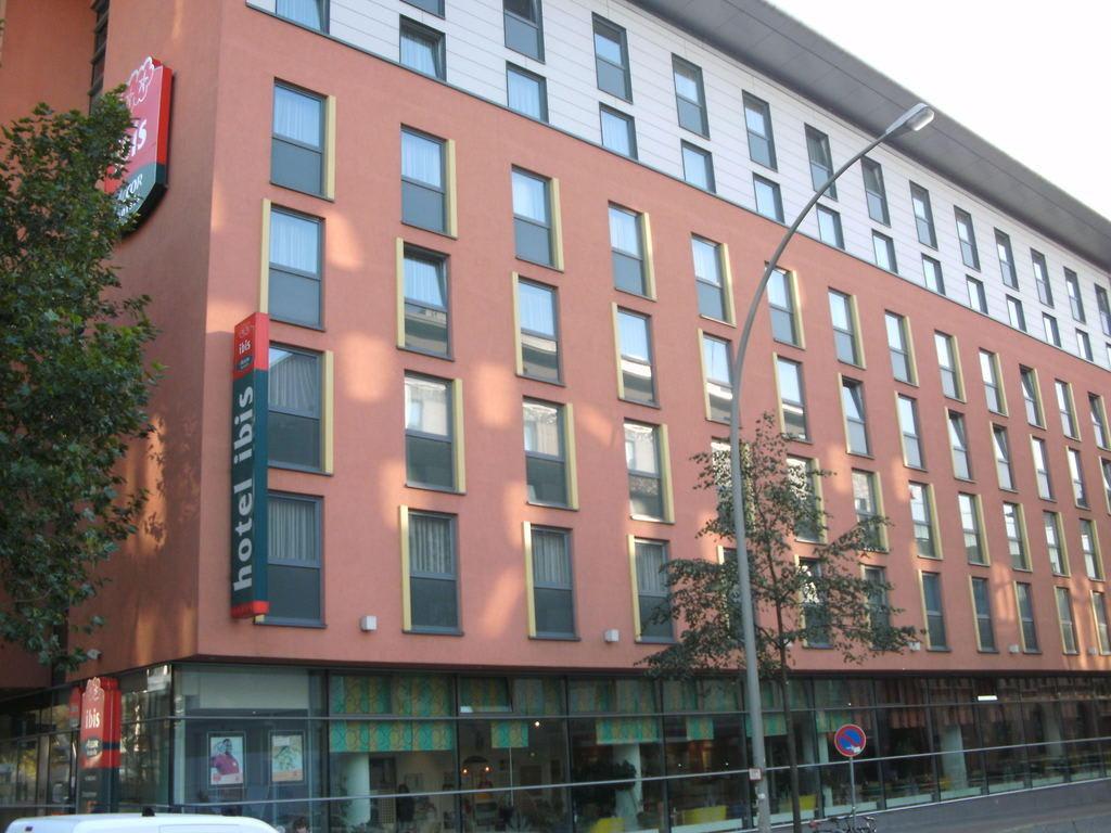 Bild Quot Strassenseite Quot Zu Hotel Ibis Hamburg St Pauli Messe