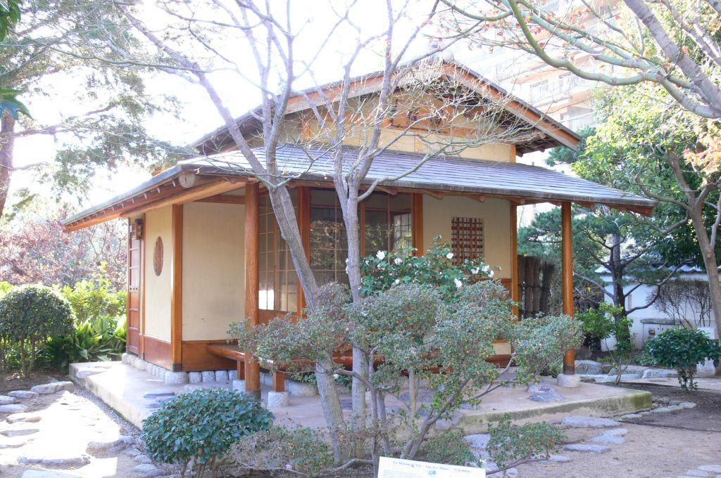 bild teehaus zu japanischer garten in monaco monte carlo. Black Bedroom Furniture Sets. Home Design Ideas