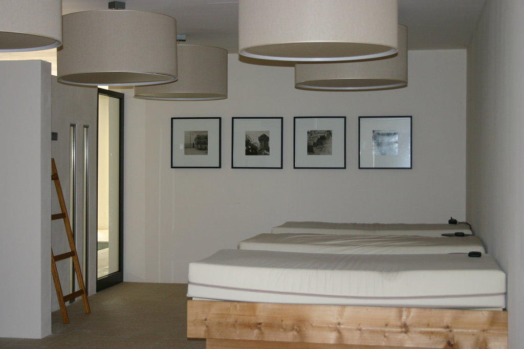 bild beheizbare wasserbetten im wellnessbereich zu hotel principe di lazise in lazise. Black Bedroom Furniture Sets. Home Design Ideas