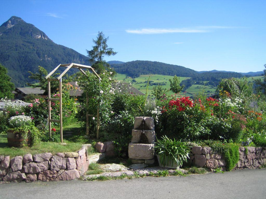 Blumengarten Bilder bild quot blumengarten quot zu moarhof in völs am schlern
