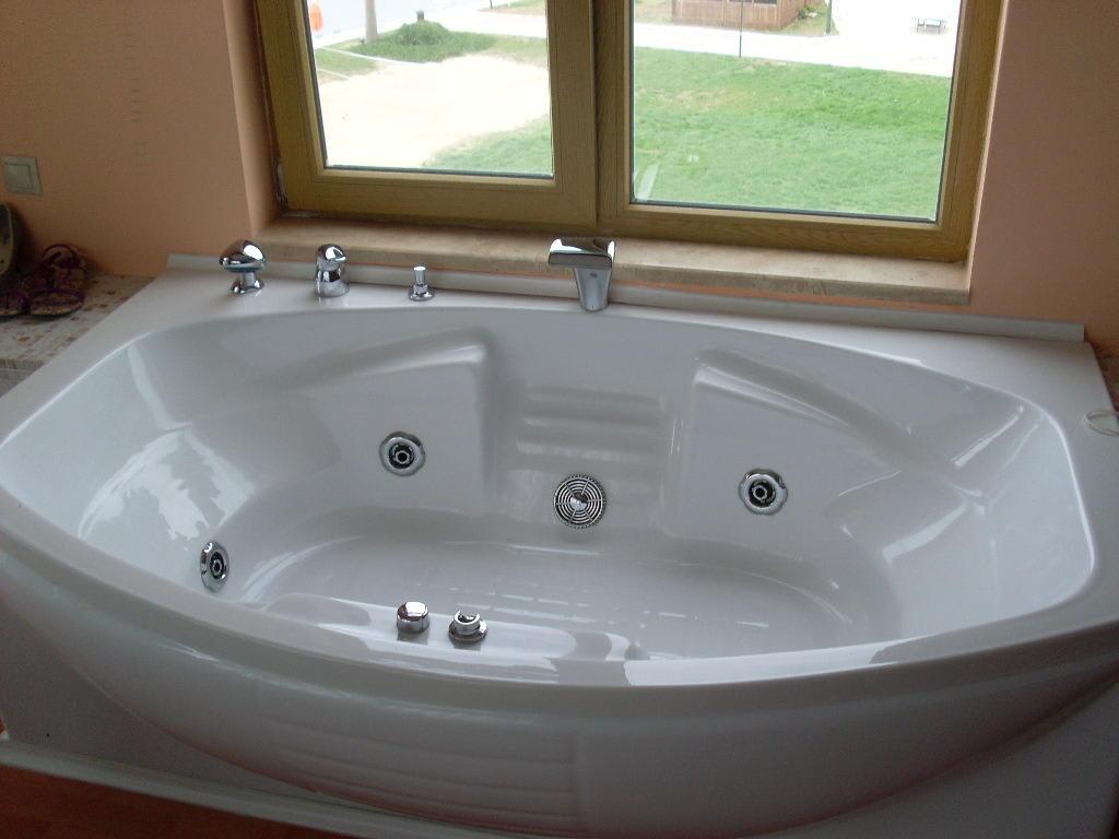 bild der jacuzzi whirlpool im zimmer zu yelken spa wellness hotel in turgutreis. Black Bedroom Furniture Sets. Home Design Ideas