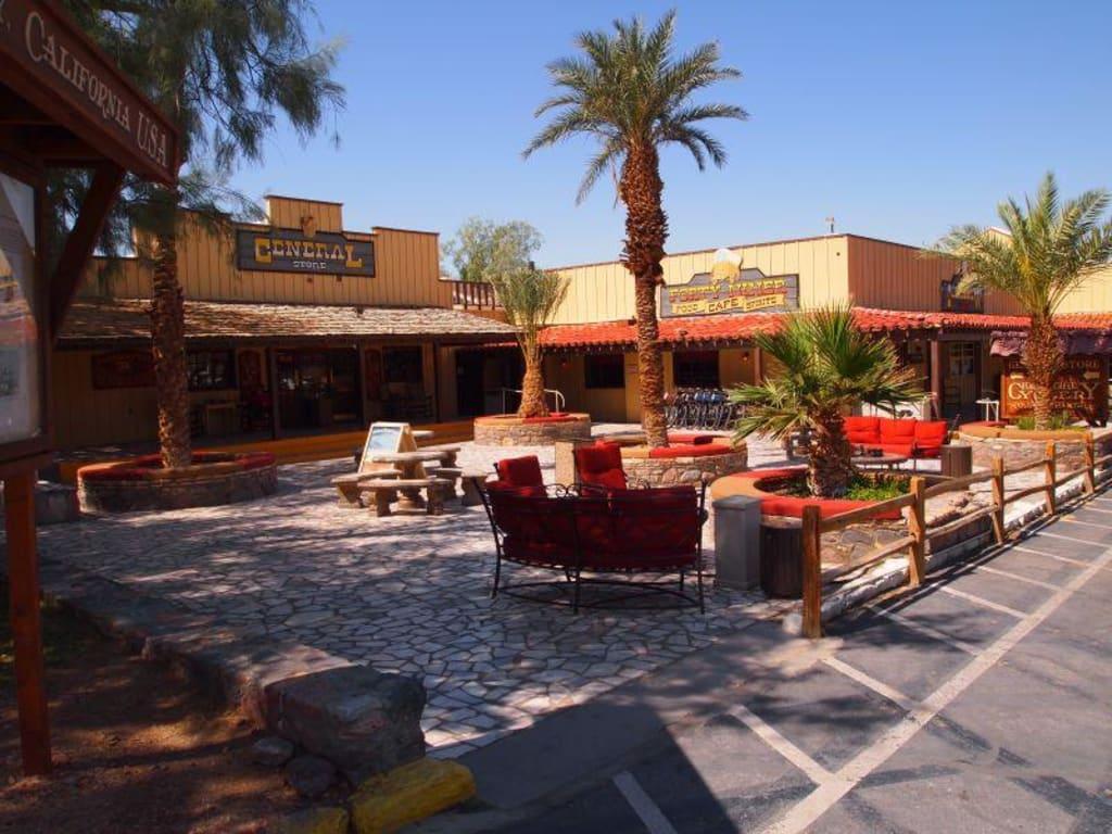 Bild Quot Supermarkt Und Restaurant Quot Zu Hotel Furnace Creek