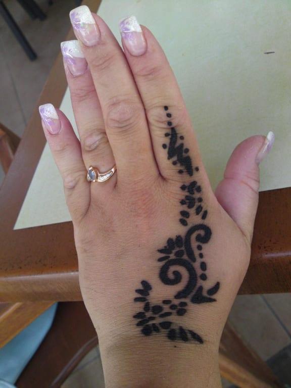 bild henna tatoo zu hotel oleander in side kumk y. Black Bedroom Furniture Sets. Home Design Ideas