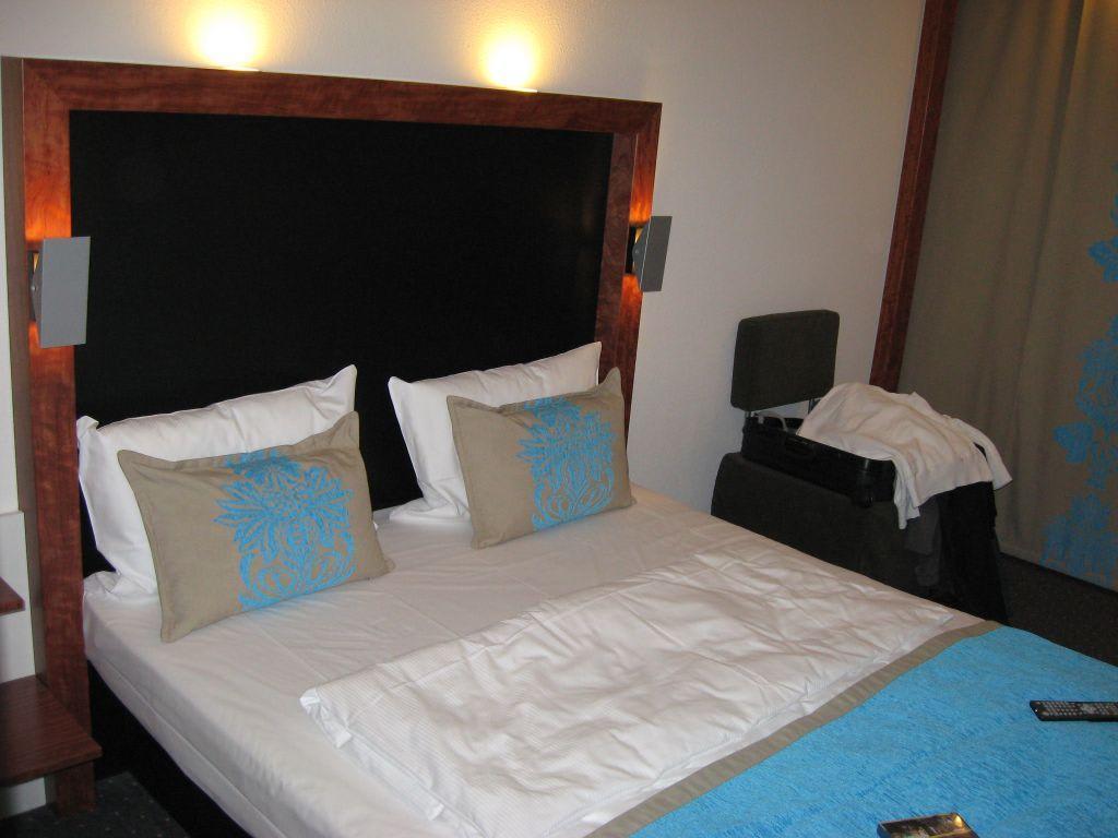Bild zimmer mit aussicht zu motel one berlin for Business zimmer motel one