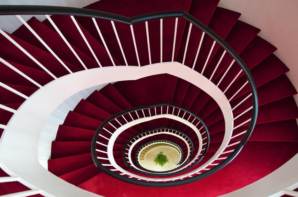 bild freistehende treppe state of the art zu parkhotel stuttgart messe airport in leinfelden. Black Bedroom Furniture Sets. Home Design Ideas